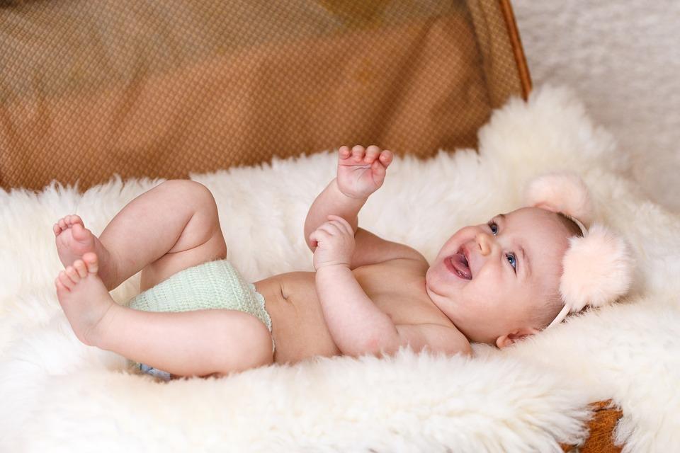 Faire rire un bébé